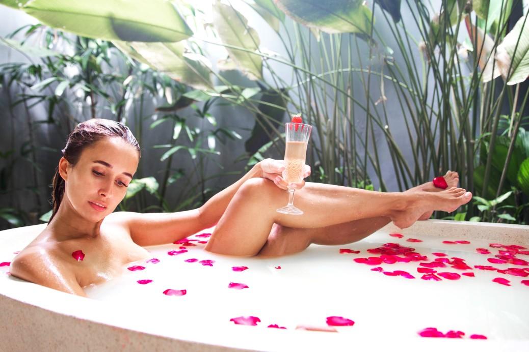 The Health Benefits of Having a Bathtub